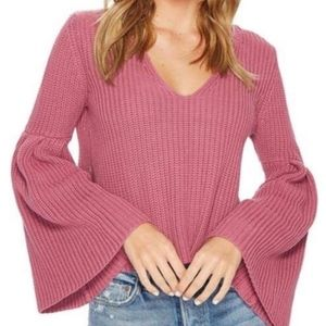Free People chunky bell sleeve sweater, Small
